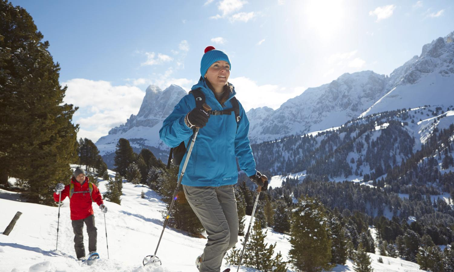 Snow shoe hiking in the Dolomites - Peitlerkofel