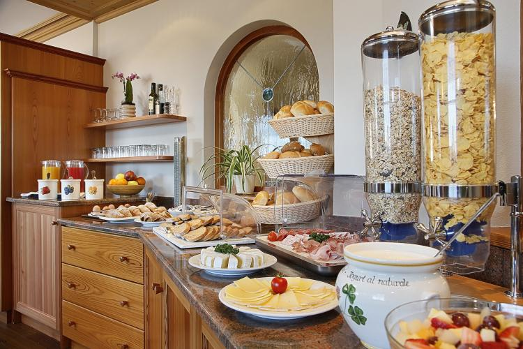 Breakfast buffet with mainly regional produce